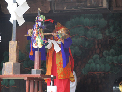 鷲宮神社・土師一流催馬楽神楽・祓除清浄杓大麻之段
