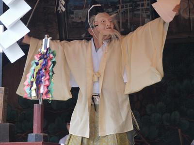 鷲宮神社・土師一流催馬楽神楽・折紙の舞