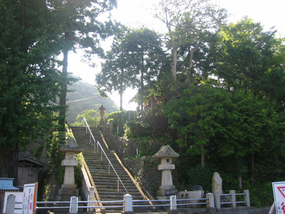 浜田市松原町の厳島神社・階段