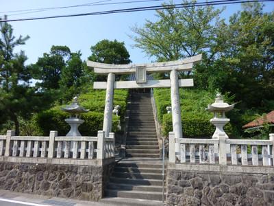 江津市後地町の厳島神社・階段と鳥居