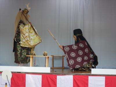 加藤社中・神剣幽助・打ちあがった刀を三條宗光に渡す